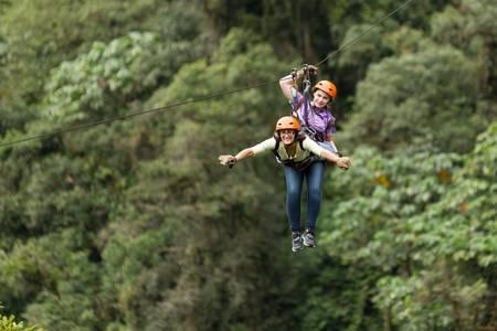 Zipline dobrodružství v ekvádorských deštných pralesů, Banos de Agua Santa Reklamní fotografie