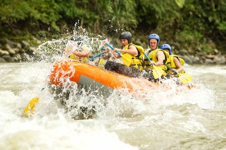 a group of men and women, with a guide, white water rafting on the patate river, ecuador Reklamní fotografie - 22181640