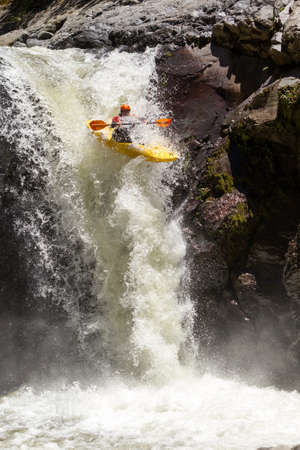 waterfall kayak jump , sangay national park, ecuador Standard-Bild