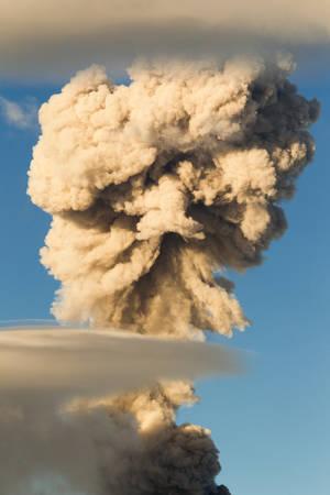 tungurahua: tungurahua volcano in ecuador, large mushroom cloud explosion