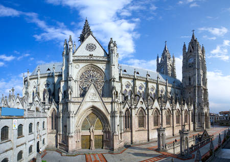 The Basilica Of The National Is A Roman Catholic Church Located In The Historic Center Of Quito Ecuador 스톡 콘텐츠