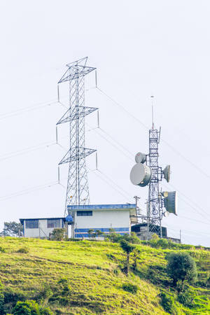 antenna: Communication And Electricity Structure In Highlands Of Ecuador Equipped With Radar
