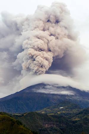 Tungurahua Volcano Eruption Ecuador South America Foto de archivo