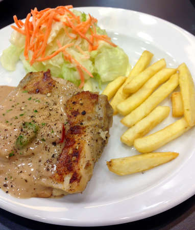 Chicken steak with black pepper sauce