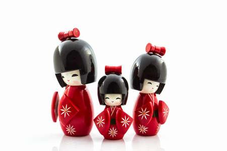 Japanse kokeshi poppen, gemaakt van hout en is een van de meest beroemde Japanse poppen en speelgoed. Stockfoto
