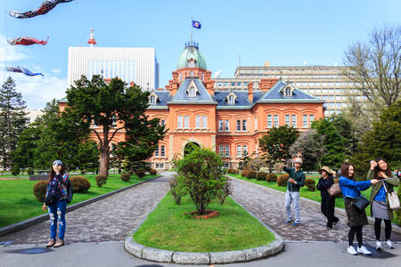 oficina antigua: Sapporo, Japan - May 4, 2016: Former Hokkaido Government Office in Sapporo, Hokkaido, Japan.  built in 1888, this building is known to as Red Bricks or Akarenga.