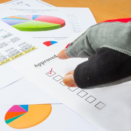 sportman: sportman sign Business charts to approve