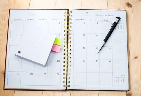 desktop calendar: blank desktop calendar with memo paper