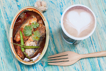 tinned: tinned fish,Mackerel filet in Tomato sauce.