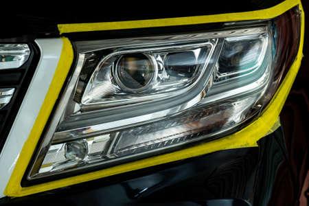 Polissage de l'optique des phares de voiture, effet après l'effet du polissage