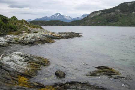 beatiful beach of a lake in the mountains Stockfoto