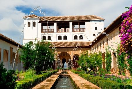 グラナダ: スペイン、グラナダのアルハンブラ宮殿 報道画像