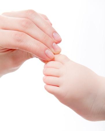 massage bébé: Mère masser son bébé