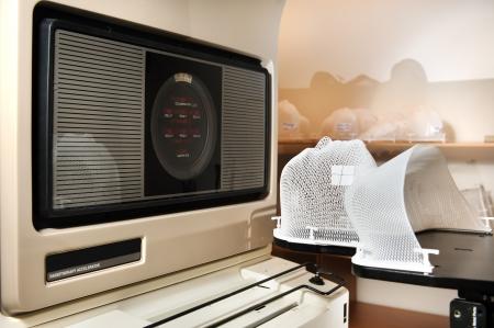 radiacion: Simulador de Radioterapia Foto de archivo