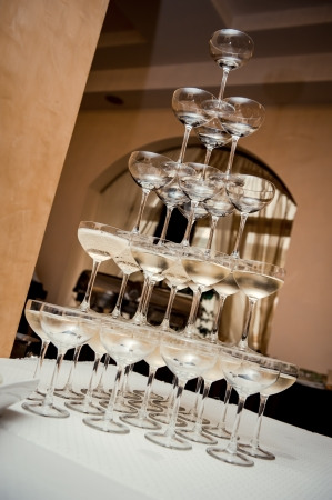 the pyramids: Champagne glass pyramid