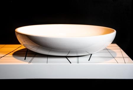 washbasin: Modern ceramic white washbasin