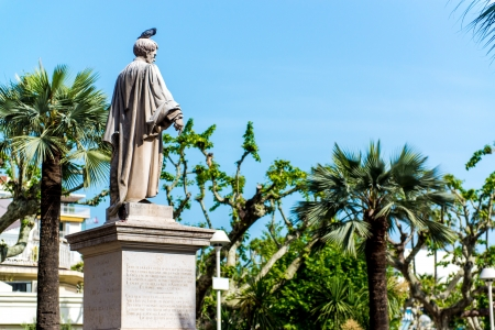 brougham: Statue Lord Brougham in Cannes, France Stock Photo