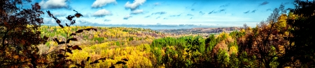 sigulda: Vista panor�mica del pintoresco paisaje de oto�o en Sigulda. Letonia Foto de archivo
