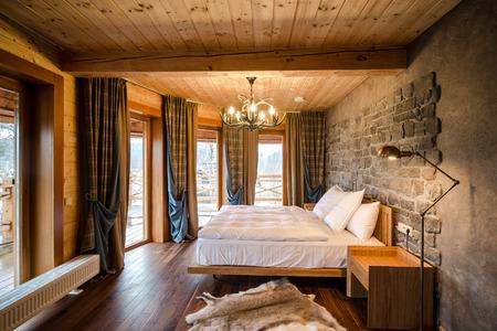 hotel interior: Luxury empty bedroom