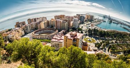 andalusien: Panoramablick von Malaga Stierkampfarena und Hafen Spanien