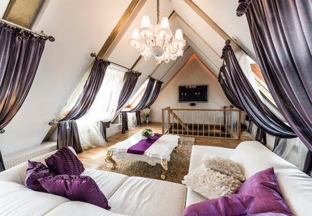 Interieur van trendy woonkamer op de zolder Stockfoto