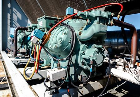 compresor: Compresor de aire acondicionado
