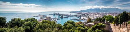 マラガの港のパノラマ。スペイン 写真素材