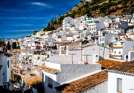 Dag uitzicht op Mijas. Mijas is een prachtige Andalusische stad aan de Costa del Sol. Spanje Redactioneel