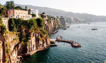 피아노 디 소렌토의 해안입니다. 이탈리아