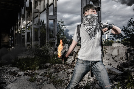 crime: Man with Molotov cocktail