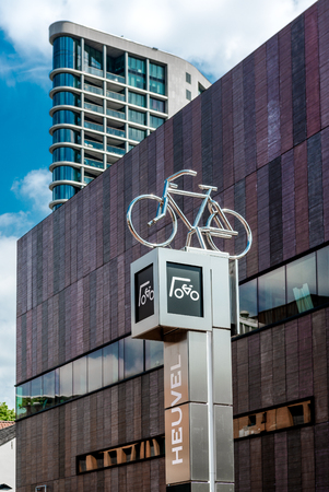 eindhoven: Eindhoven, Netherlands - May 24, 2015: Bicycle parking sign in Eindhoven city center. Eindhoven is one of the five nominees to become best Cycling City of the Netherlands in 2014 Publikacyjne
