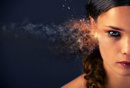 Media cara de una mujer joven en las lágrimas. imagen generada digitalmente Foto de archivo