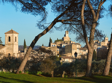lourmarin: Village of Lourmarin. Listed as the most beautiful villages of France. Provence-Alpes-Cote dAzur. Stock Photo