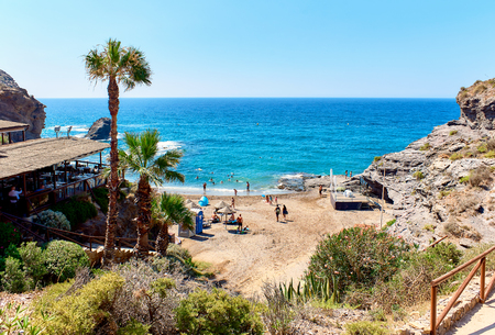 그림 같은 Cala del Barco 해변. 카르타헤나, 코스타 블랑카. 스페인 스톡 콘텐츠