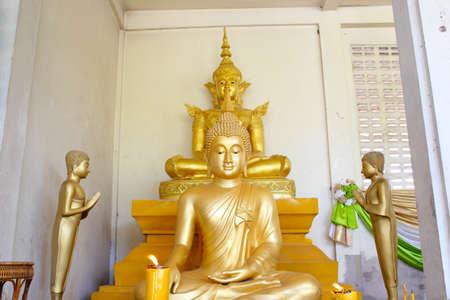 Buddha brass  Stock Photo - 17090260