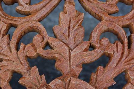 carve: Wood carve close
