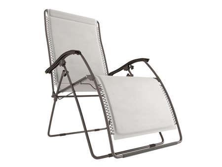 Metal chaise longue aislada sobre fondo blanco