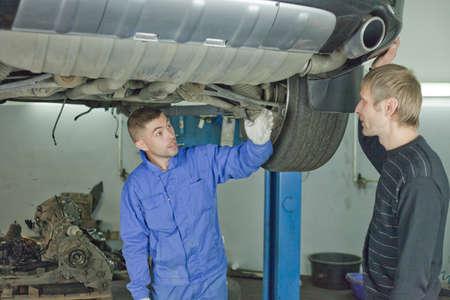 Master advises on car repair.