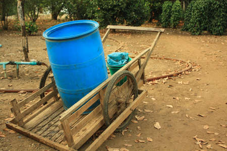 emmer water: Emmer water trolley Stockfoto