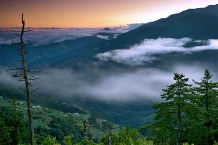 sunup: Sunrise mountain top