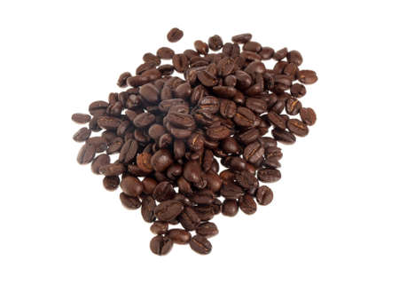 Scattering of coffee beans isolated on white background Foto de archivo - 122800336