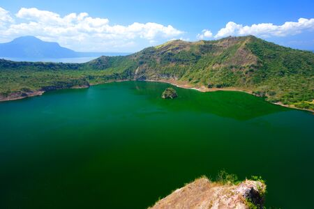 Crater Lake at Taal volcano, Tagaytay city, Philippine. 版權商用圖片