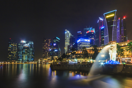 mago merlin: Merlin fuente hito en Marina Bay de Singapur