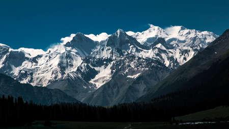 xinjiang: Ili Zhaosu xiata, Xinjiang montagnes de neige