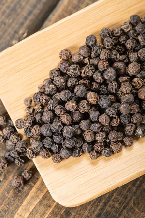 pimienta negra: negro pimienta Foto de archivo