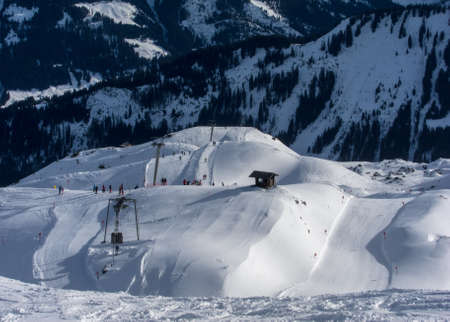 wintersport: Ski slopes and ski lifts in the Austrian Alps