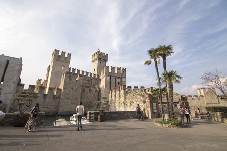Roca scaligera the castle in Sirmione Garda lake Lombardy Italy Standard-Bild - 119559527