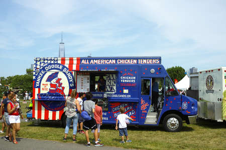 wtc: Yankee Doodle Dandys chicken tenders truck in park on independence day - July 4,2016, Liberty State Park, NJ, USA