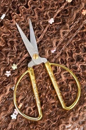untangle: Scissors and wig