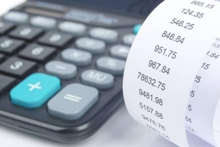 電卓: 電卓と領収書